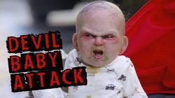 버려진 유모차 속에서 튀어나오는 '악마의 아기' 몰래카메라 'Devil Baby Attack' 바이럴 영상