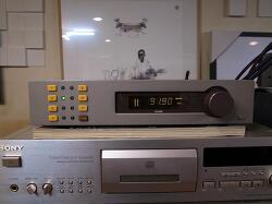 영국 QUAD 쿼드 베스트셀러 FM-4 아날로그 튜너입니다 -초기형-