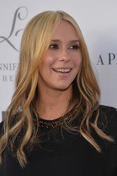 ▶Θ◀ [제니퍼 러브 휴이트] ▶Θ◀ Jennifer Love Hewitt - L By Jennifer Love Hewitt Launch at Pea in The Pod in Beverly Hills 04/01/14