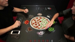 피자헛(Pizza Hut)의 인터랙티브 컨셉 테이블(Interactive Concept Table).