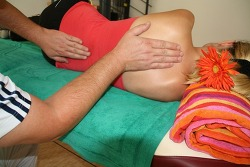 일상생활까지 지장을 주는 척추측만증 척추교정으로 해결!