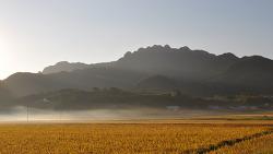 여덟 봉우리 다도해 해상 국립공원 팔영산