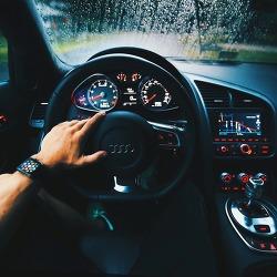 자동차 연료등 빨간불일때 몇킬로까지? 앵꼬 주행거리
