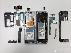 삼성 - 접이식 스마트폰 '갤럭시 폴드' 분해 사진 웨이보를 통해 공개
