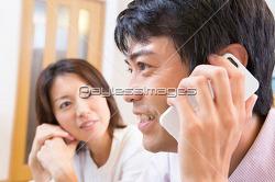 전화도 대신해주는 남편들의 자상함.