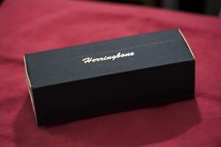핸드 스트랩의 강자 헤링본(herringbone hand strap)