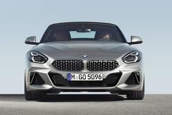 BMW Z4 가격 세금 유지비 로드스터 특징은?