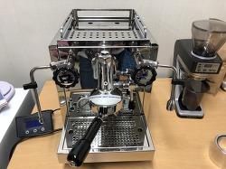 가정용 커피머신 로켓r58 개봉 언복싱