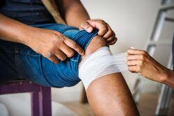 무릎 통증 및 근육 통증을 치료하는 방법