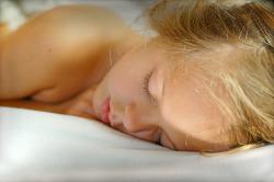 인간성장호르몬(HGH) 분비를 자연스럽게 증가시키는 법 9가지