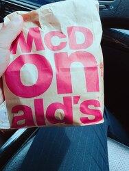 아침엔 맥도날드 치즈버거로 해결
