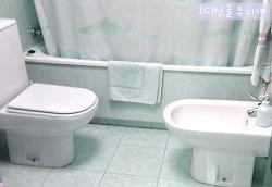 '우리 집 화장실에서는 이것 금지'라는 스페인 친구
