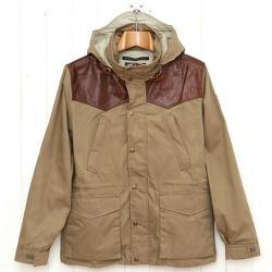 옷 놓고 떠들기, 펜필드의 레이크빌 재킷
