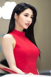 레이싱모델 임솔아, '모델 임솔아 깜찍한 인형미모' (2019서울모터쇼)