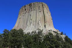 영화 <미지와의 조우>에 등장한 미국 최초의 준국립공원, 데블스타워(Devils Tower) 내셔널모뉴먼트