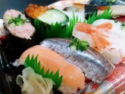 일본에서 파는 초밥 도시락