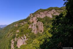 무척산 성벽바위