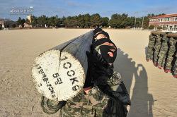 신병 1241기 1교육대 4주차 - 화생방이론 및 목봉제초, 격투봉 등