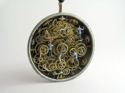Artist Encases Incredibly Detailed Miniature Worlds Inside Antique Pocket Watches 주머니 시계 속의 동화같은 미니어처 세계