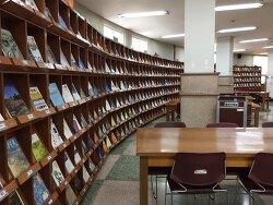 중앙도서관 2층 정기간행물실 이용자 열람 공간 확대