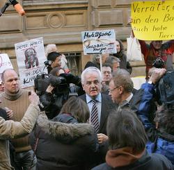 독일 하르츠 IV 법 비판 세 가지 이유들
