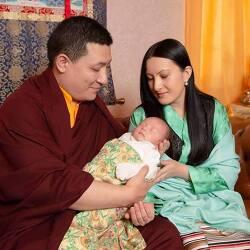 티베트 불교, 또 다른 17대 까르마파 부부 득남