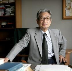 우리 문단 최고의 비평가 김윤식 교수
