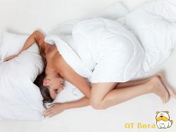 옷을 벗고 잠을 자야하는 이유