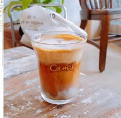 카페놀이 - 성수동 '카멜 카페'
