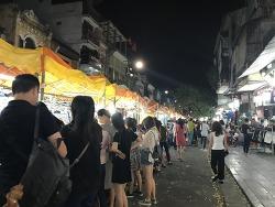 하노이여행 길거리 야시장에서 쌀국수먹기/ 호안끼엠 호수 산책하기