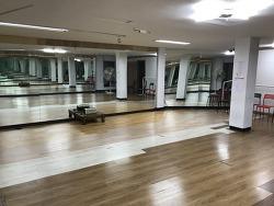 동대문구 연습실 회기역 5분거리 댄스,춤 연습실 대관합니다.