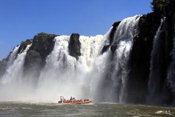 브라질 이구아수 폭포-지상 최대의 물쇼