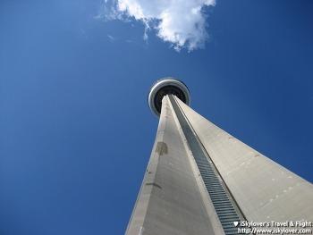토론토의 중심 CN타워