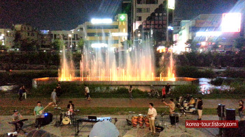 [대전여행-은행동 목척교 음악분수]한 여름밤 음악공연과 함께 분수쇼