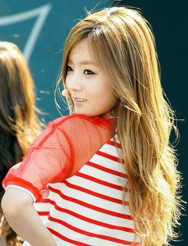 A pink 윤보미 - 13.08.25