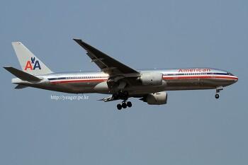 American Airlines / Boeing 777-223/ER / N799AN