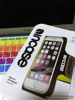 인케이스 아이폰6용 스포츠 암밴드 : 애플워치 + 아이폰6와 함께 운동하기