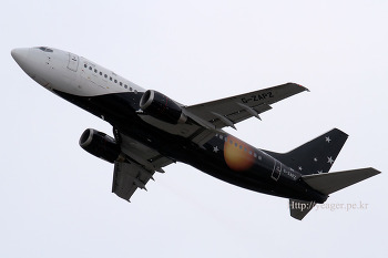 Titan Airways / Boeing 737-33A / G-ZAPZ
