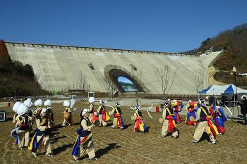 기네스북에 등재된 평화의 댐 트릭아트 벽화