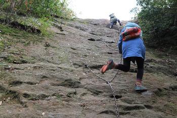 고소공포증 친구와 바위산 등정
