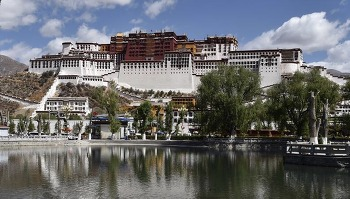 티베트의 랜드마크 포탈라 궁전, 2017년 한 해 동안 145만명 관람
