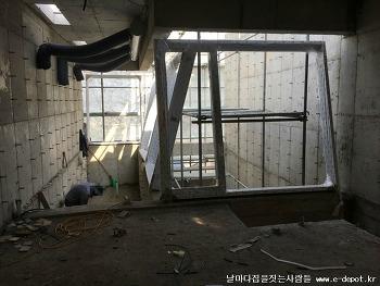 파주 렌트하우스 샷시, 공조, 천정반자, 철계단 설치등 실내마무리공사