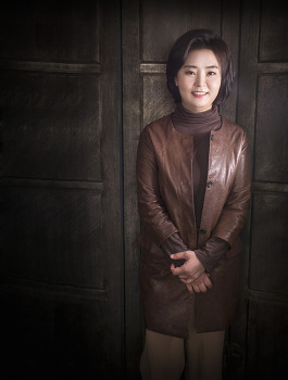 캐리어우먼 김미영, 그녀는 <보장분석의 달인>.  by 포토테라피스트 백승휴