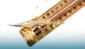 저수온기에는 수온변화의 폭이 큰 시간대를 공략하자.