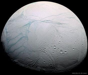 [APOD] 토성의 엔셀라두스에 새로 새겨진 호랑이 줄무늬(2018.7.1.)
