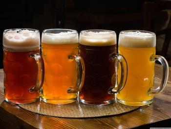 Download Beer Pints HD Wallpaper