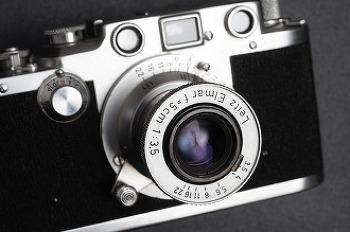 라이카 레드엘마, 고전의 날을 세우다. Leica Elmar 50mm f3.5 Red Scale.