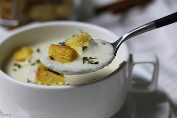 감자수프와 크루통 만들기