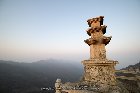대견사지 삼층석탑, 하늘과 맞닿아 있는 이곳
