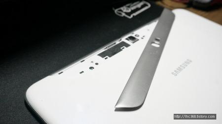 삼성 갤럭시노트10.1 분해 및 충전단자 수리하기